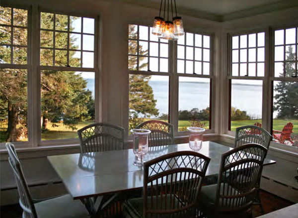 Blue Hill Residence Dining